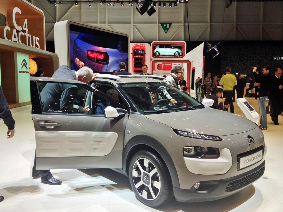 Citroën C4 Cactus em versão 'aventureira', exibida no Salão de Genebra 2014 (Foto: Cecília Minner/G1)