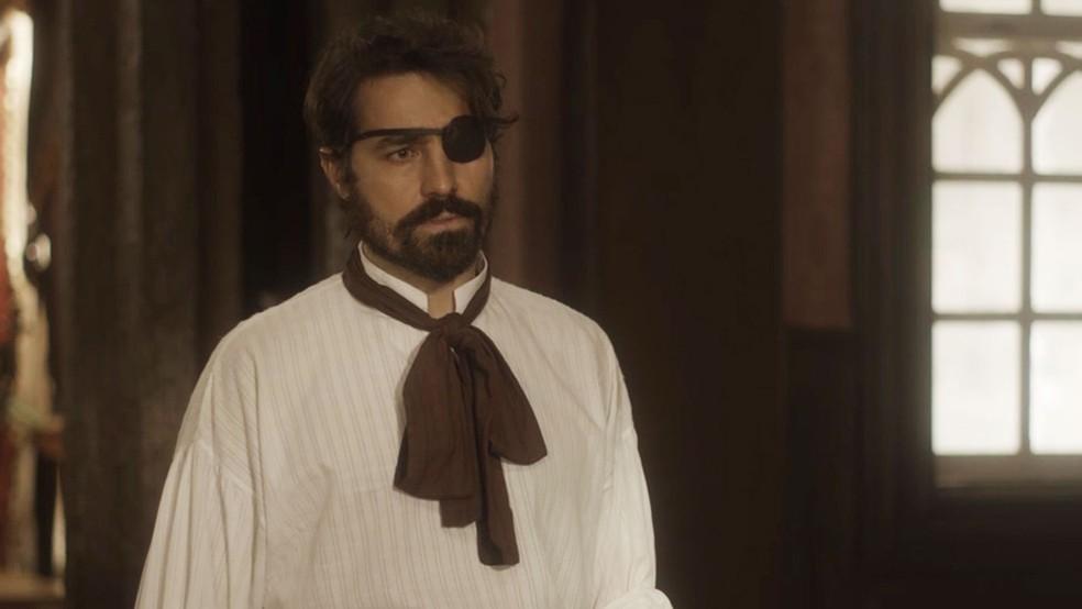 Ferdinando (Ricardo Pereira) não aguenta as calúnias ditas por Greta (Julia Lemmertz), em 'Novo Mundo' — Foto: TV Globo