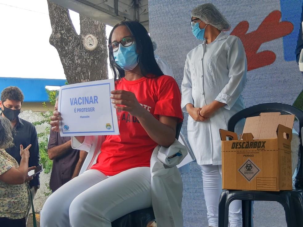 Enfermeira Pollyana Todt pediu para que a população alagoana mantenha a esperança — Foto: João Vitor Ferreira/G1