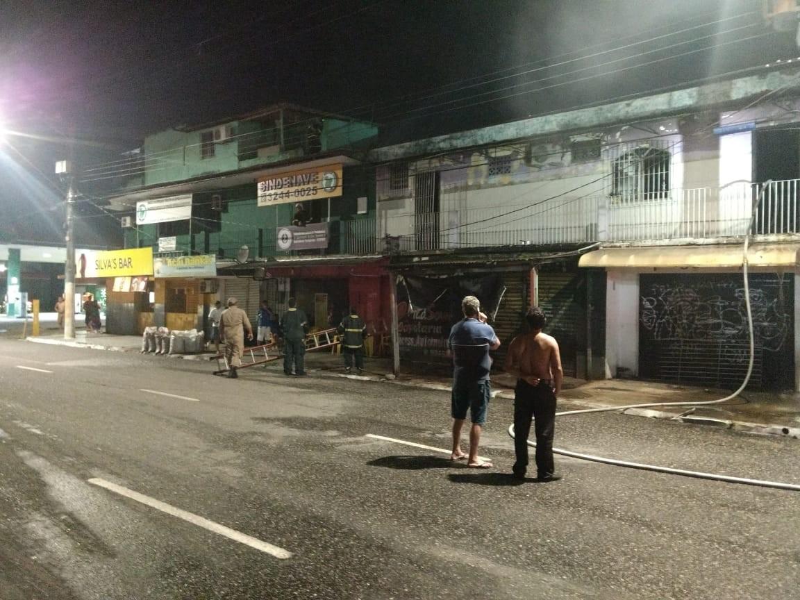 Incêndio atinge conjunto de kitnets em Belém