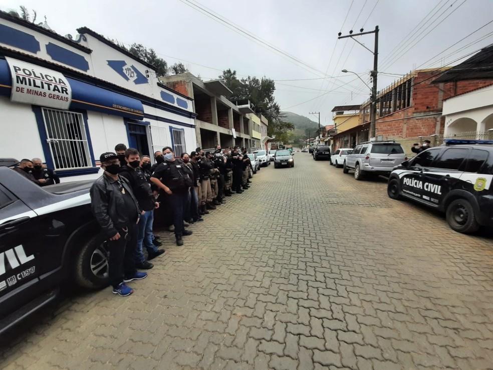 PM e Polícia Civil na operação — Foto: Polícia Civil/Divulgação