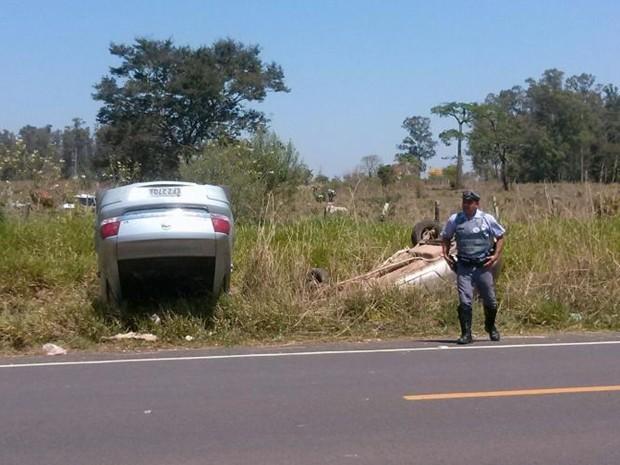 Sobreviventes do acidente ficaram feridos e foram levados a Botucatu (Foto: Arquivo Pessoal/ Elias Marques)