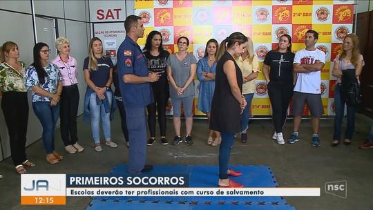 Em Içara, professores fazem treinamento de primeiros socorros