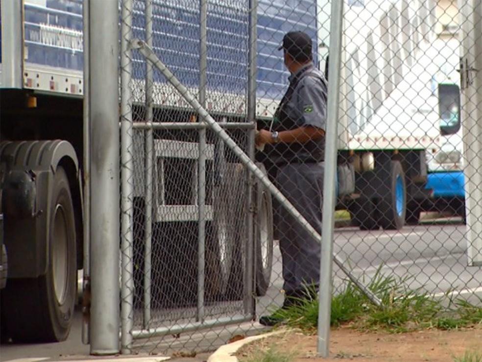 Terminal de cargas em Viracopos foi roubado em fevereiro de 2015 (Foto: Reprodução / EPTV)