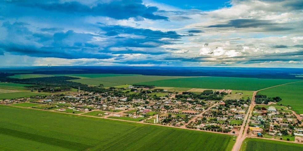 Santa Rita do Trivelato: Em mais da metade de seu território de 4.734 km2 se cultiva algodão, arroz, feijão, girassol, milho e soja — Foto: Gcom-MT
