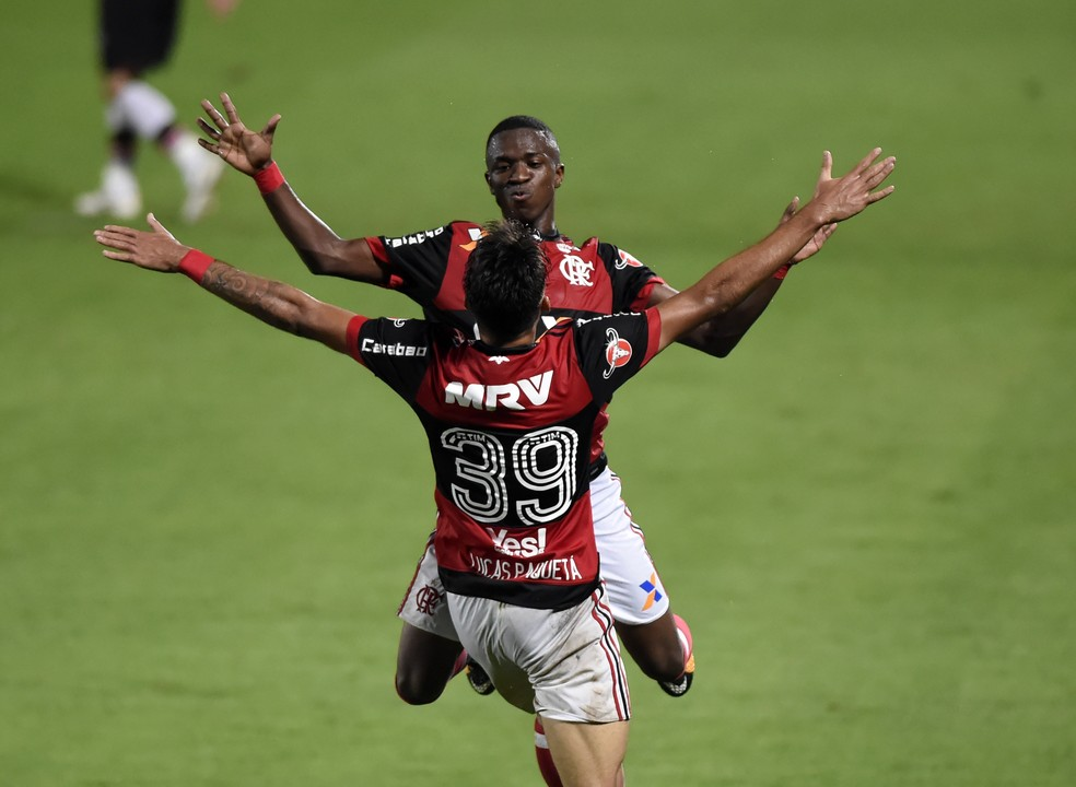 Vinicius Júnior ganha destaque em lista de jornal inglês (Foto: André Durão/GloboEsporte.com)