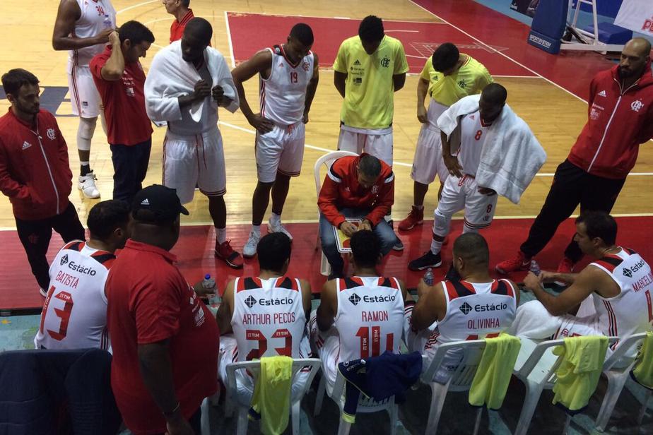 Flamengo atropela time peruano e vai à final de torneio amistoso em Lima