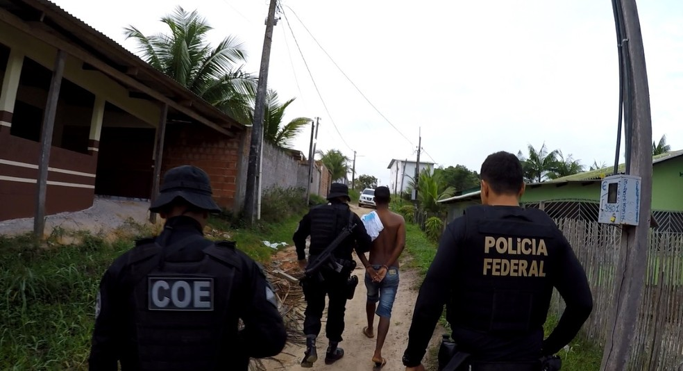 Operação ocorreu em bairros de Cruzeiro do Sul  — Foto: Divulgação/PF-AC