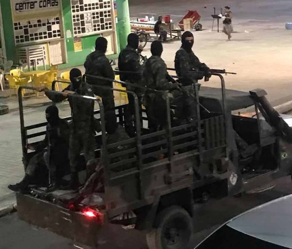 Exército está nas ruas reforçando segurança em Cruzeiro do Sul  (Foto: Arquivo pessoal )