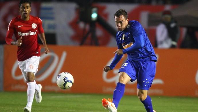 Willian Farias espera aproveitar ida aos EUA para ganhar entrosamento