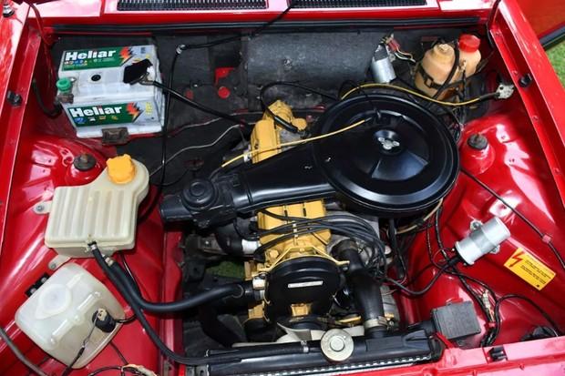 Motor 1.6 não chega a ser tão forte quanto o 1.6/S, mas o cofre está lindo (Foto: Reprodução)