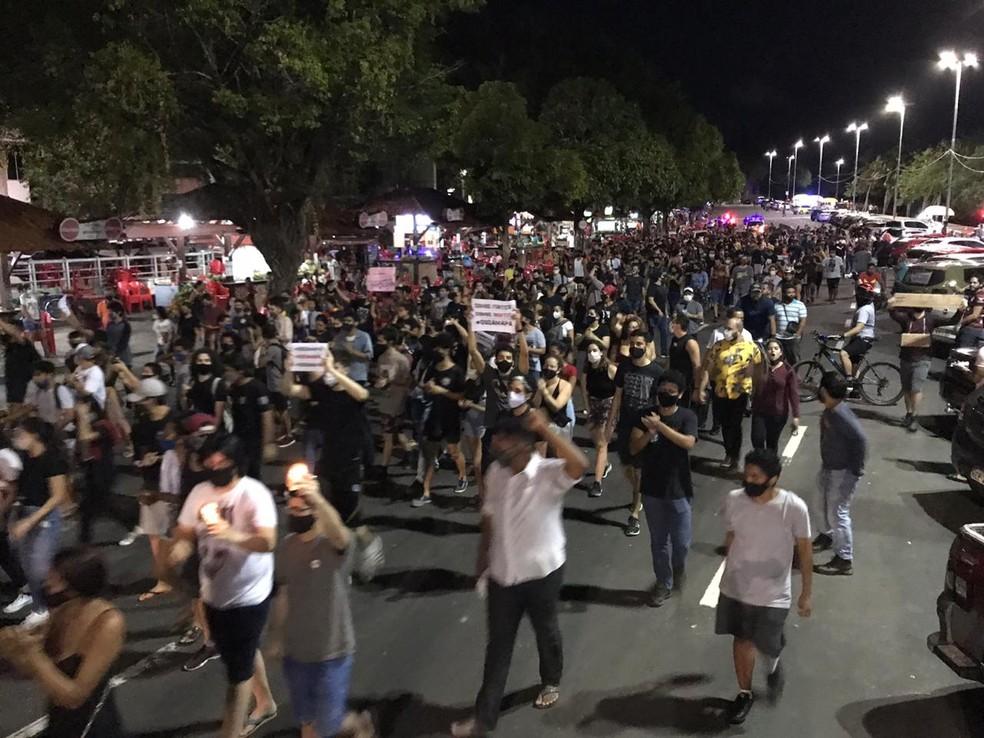 Protesto em Macapá pede regularização do fornecimento de energia no Amapá | Amapá | G1