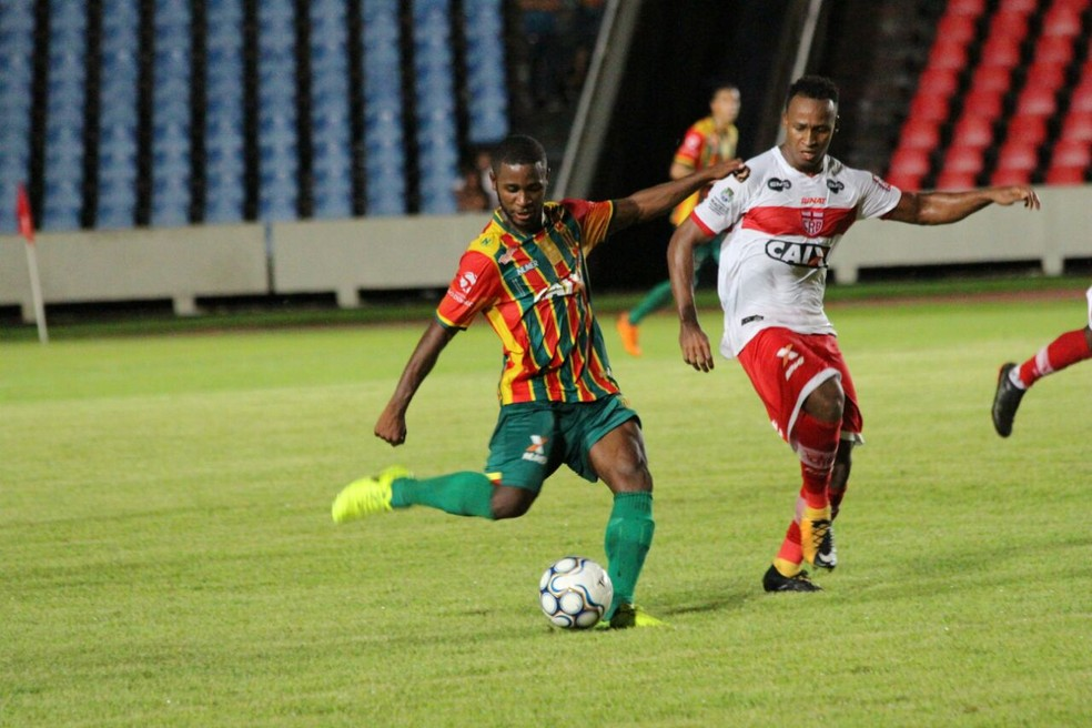 João Paulo quer jogo de poucos erros contra o Bahia (Foto: Lucas Almeida / L17 Comunicação)
