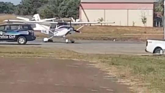 Vídeo mostra chegada de piloto que alega ter sido sequestrado com avião em MS