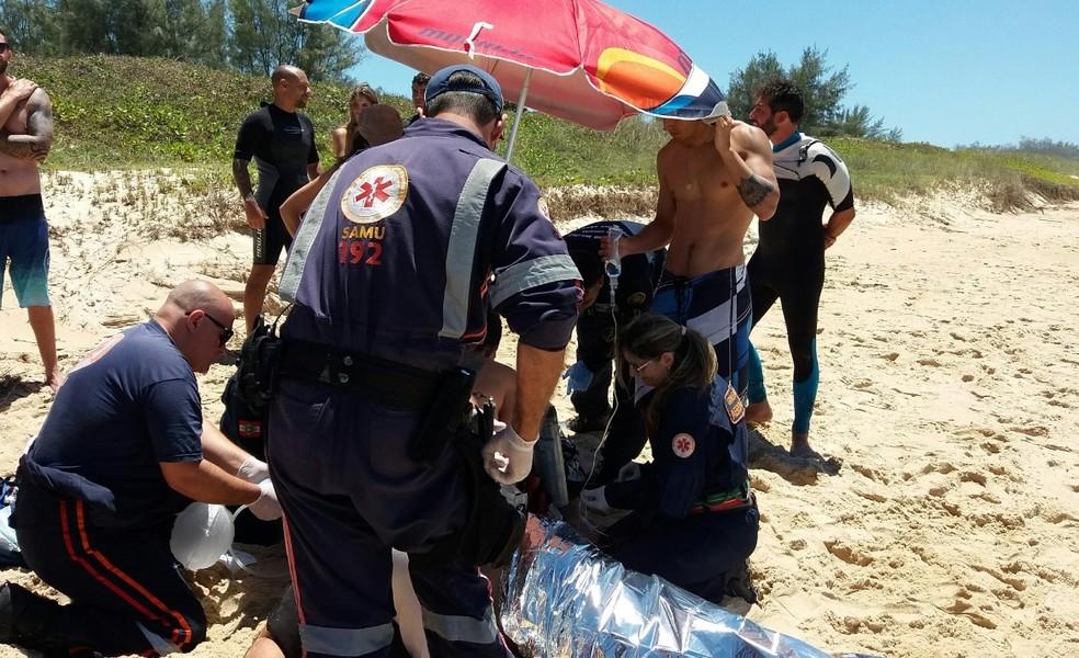 André Luft sofreu parada cardiorrespiratória enquanto surfava em Florianópolis  (Foto: Bombeiros/Divulgação)