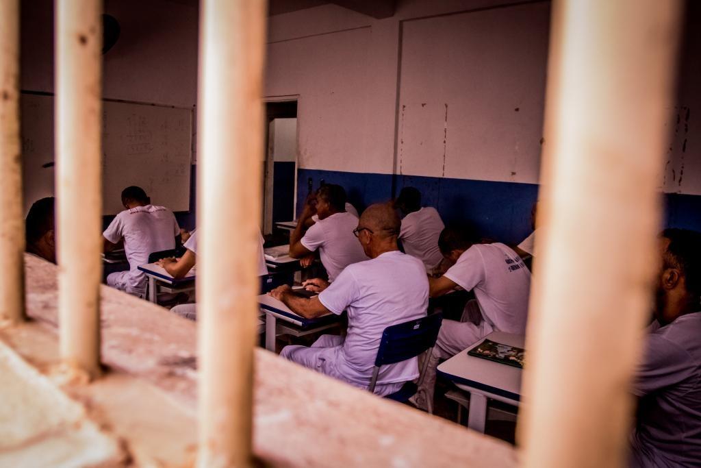 Mais de 1,6 mil presos fazem prova do Enem nesta semana em MT