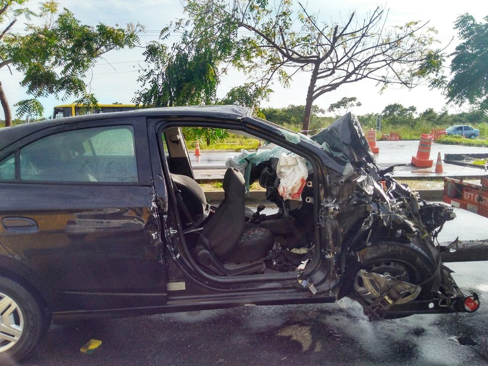 Batida aconteceu na BR-406, a 8 quilômetros de João Câmara (Foto: Marksuel Figueredo/Inter TV Cabugi)
