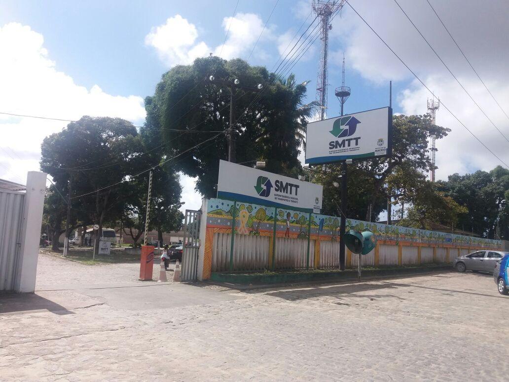 Você viu? Estupro e morte de criança, mulher desacata polícia, 1.600 mortes por Covid-19 e mais notícias do G1 Alagoas