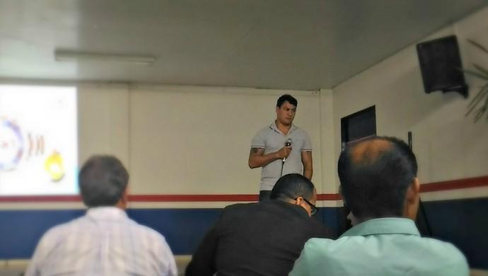 Popó faz circuito de palestras em Rondônia (Foto: Marco Bernardi)