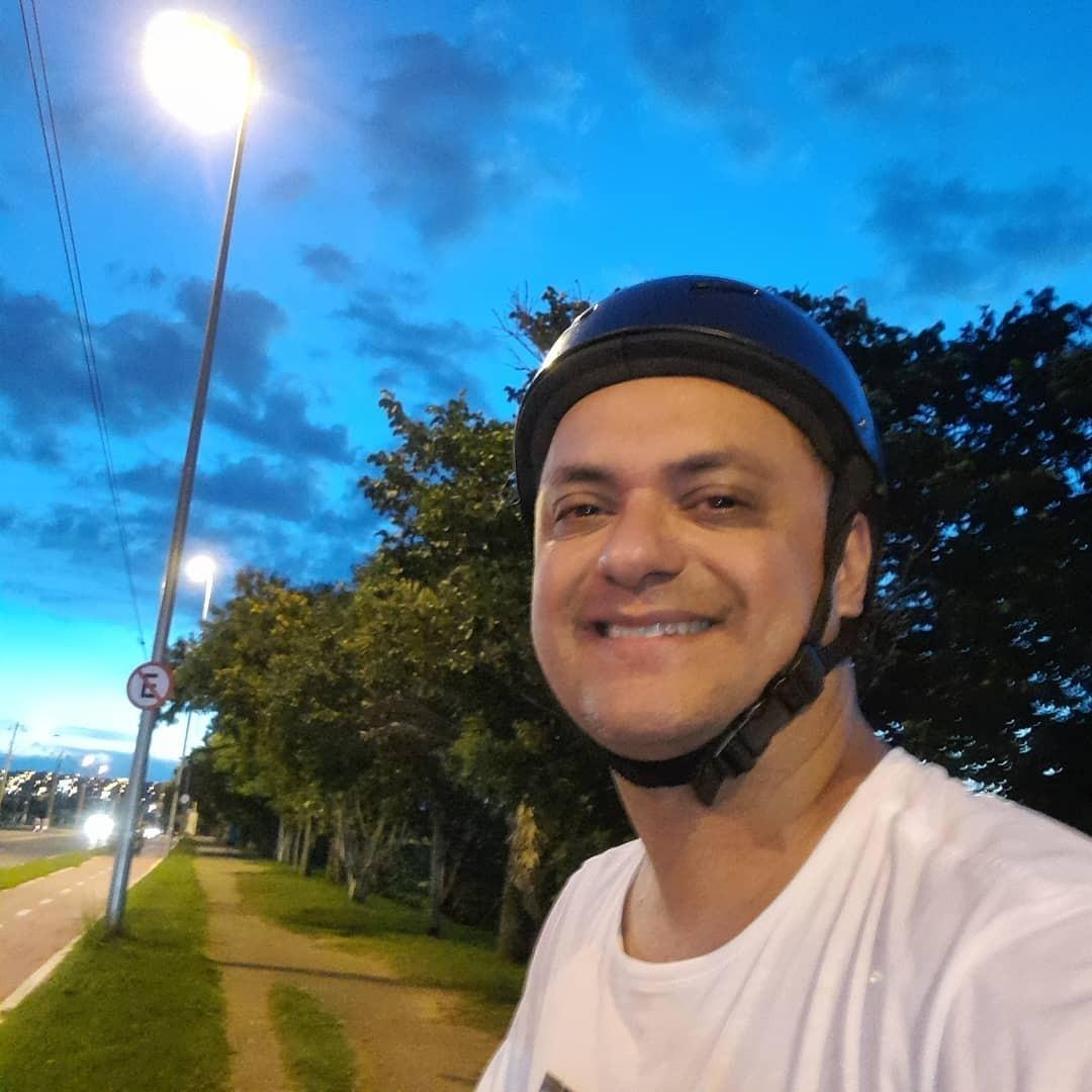 Família de professor morto por Covid arrecada doações para entidade: 'Forma de mantê-lo vivo e presente'