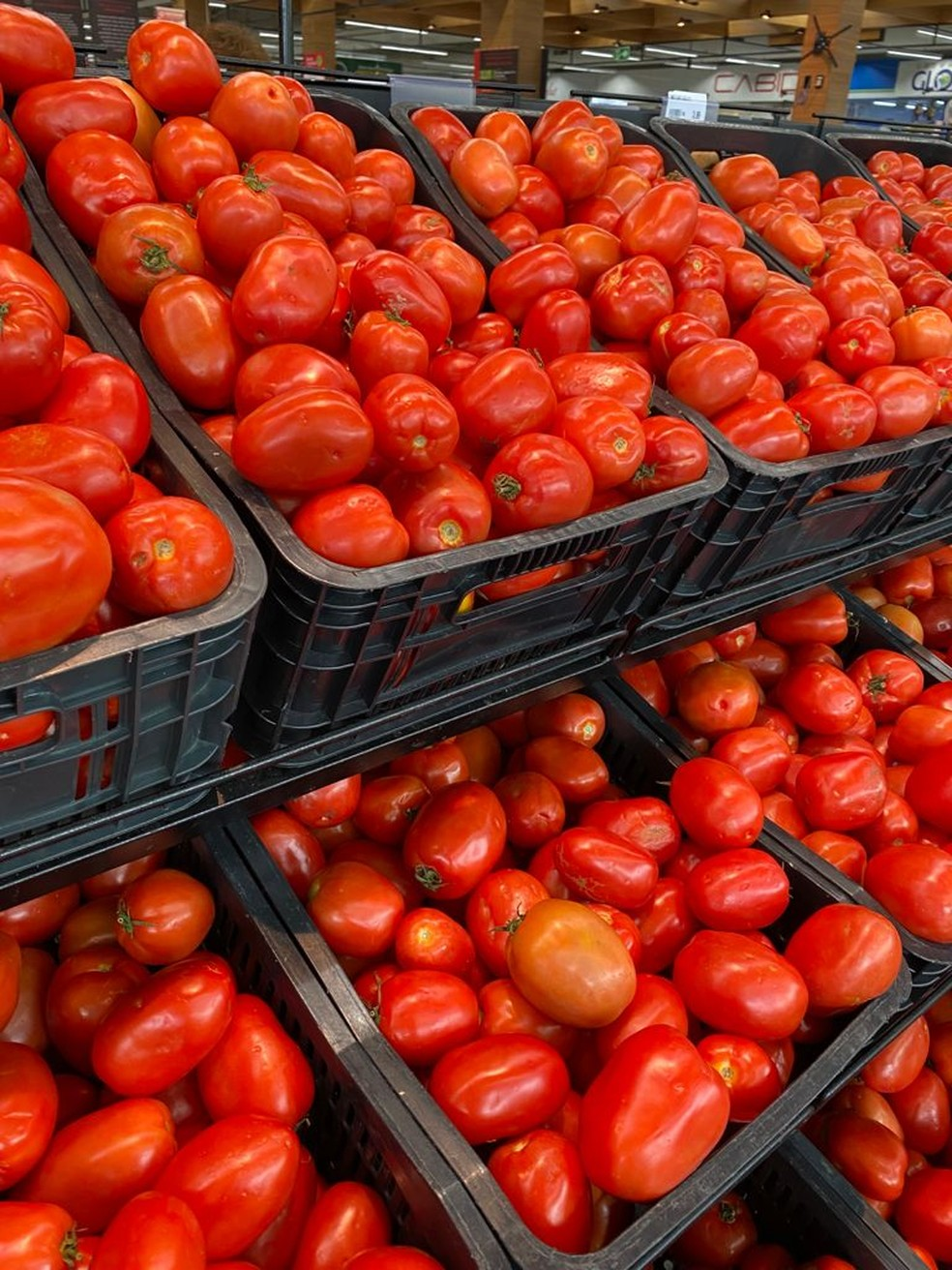 Tomate, supermercado em Natal — Foto: Augusto César Gomes