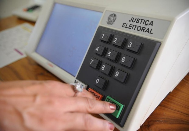 urna eletrônica, eleições (Foto: Fábio Rodrigues Pozzebom/ Agência Brasil)