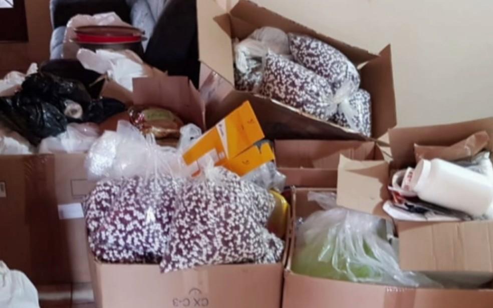 Remédios contrabandeados apreendidos em operação da Polícia Civil em Cachoeira Alta — Foto: Reprodução/TV Anhanguera