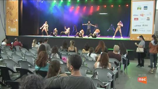 Festival de Dança começa a receber bailarinos; saiba como é feita a seleção para a mostra
