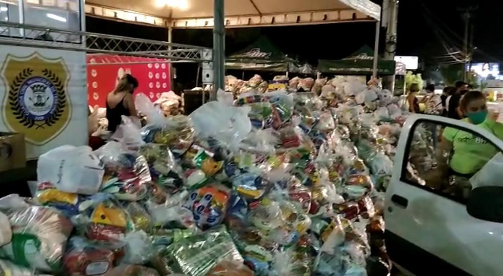 Campanha prato cheio arrecada mais de 7 toneladas de alimentos — Foto: Reprodução/TV Clube