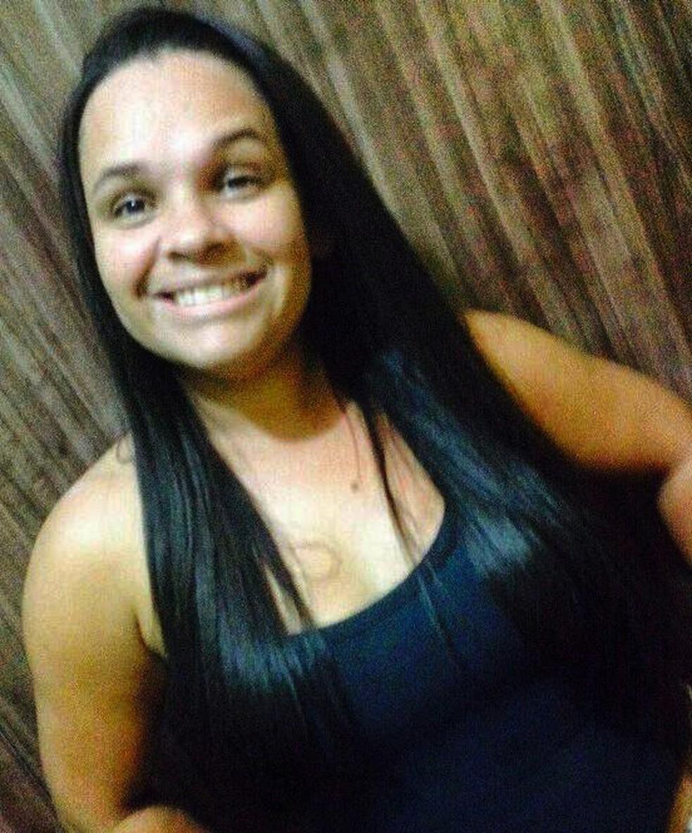 Andreia da Silva, de 35 anos, foi morta pelo ex-companheiro em Itanhaém, SP (Foto: Reprodução/Facebook)