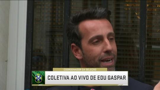 """Edu lamenta lesão de Daniel Alves: """"Perdemos um líder, um grande campeão"""""""