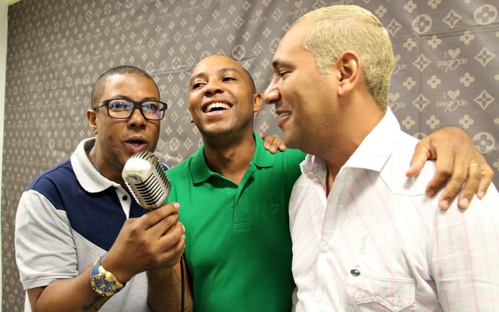 Márcio Art, Salgadinho e Chrigor durante turnê do projeto Amigos do Pagode 90 — Foto: Jamile Alves/G1 AM