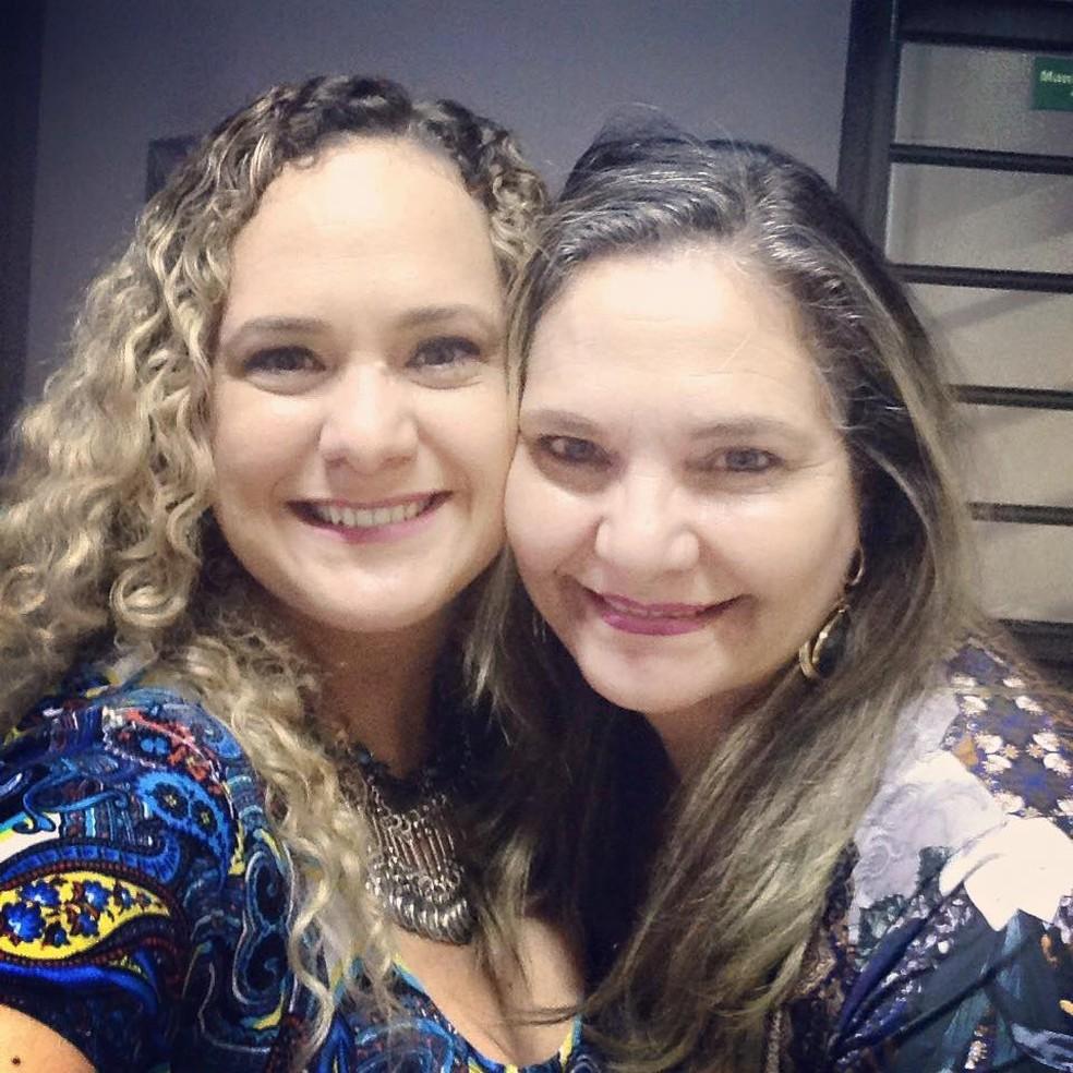 Isabel (esq.) morreu por complicações da Covid duas semanas antes da mãe, Márcia (dir.), em Campo Grande (MS) — Foto: Redes Sociais/Reprodução