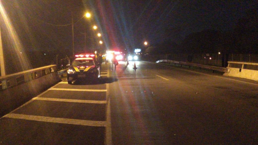Jovem morre em acidente na BR-277, na Região de Curitiba, depois de carro capotar e sair da pista - Notícias - Plantão Diário