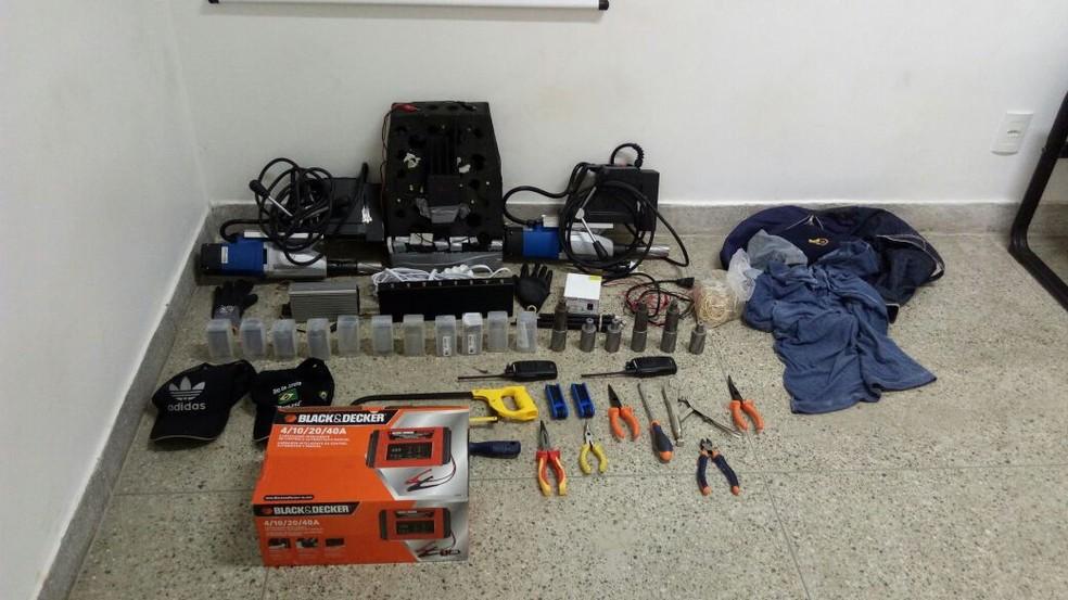 Material foi apreendido no Ceará com suspeitos de arrombamento a banco no RN (Foto: Assessoria de Imprensa da Polícia Civil do Ceará/Divulgação)