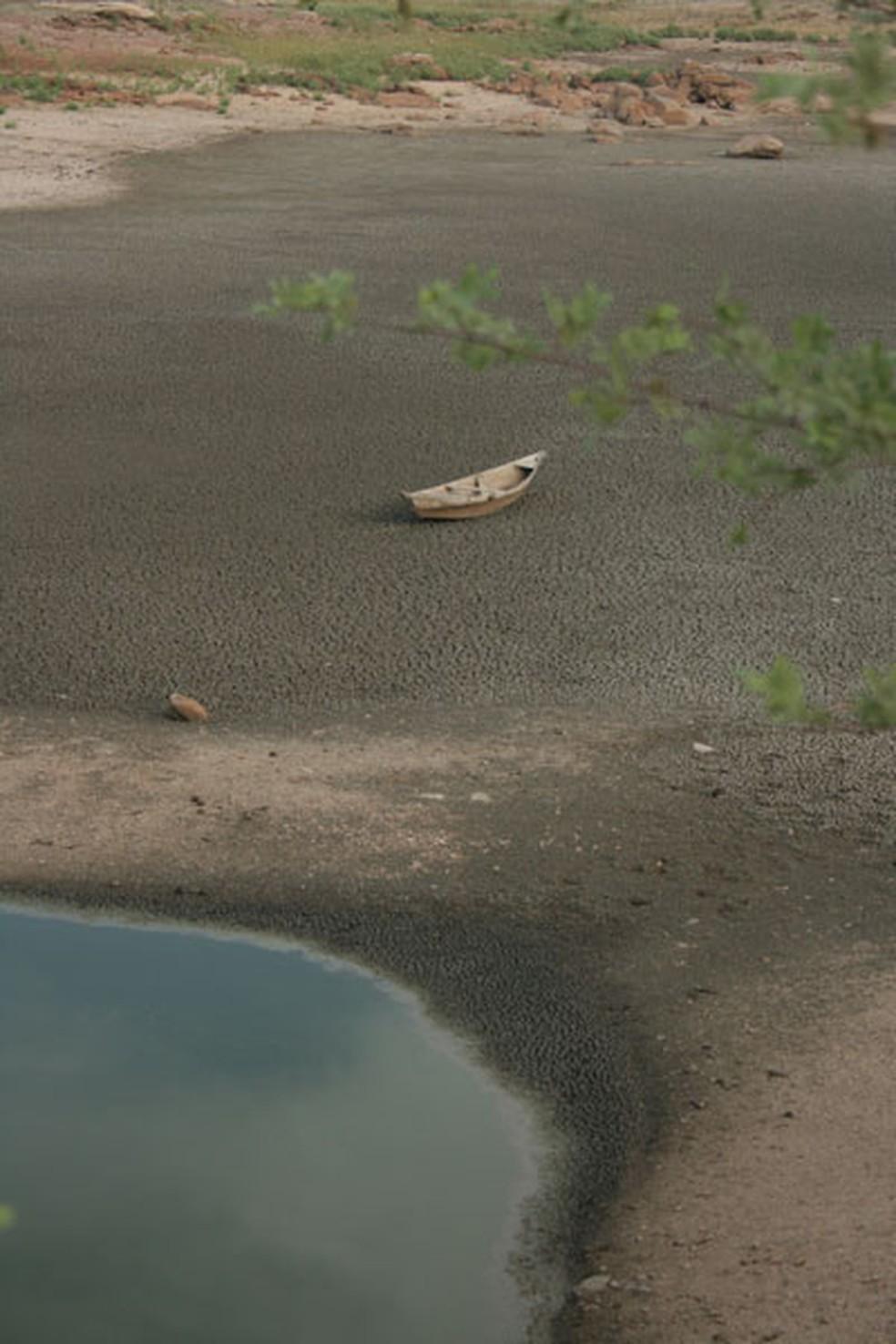 Açude seco na saída de Santana do Matos, RN. Arquivo (25/02/2013) (Foto: Rafael Barbosa/G1)
