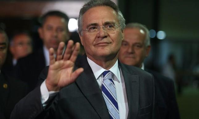 O presidente do Senado Federal, Renan Calheiros (PMDB-AL) após saber do resultado do jugamento do STF que o manteve na presidência do Senado, por 5 a 3
