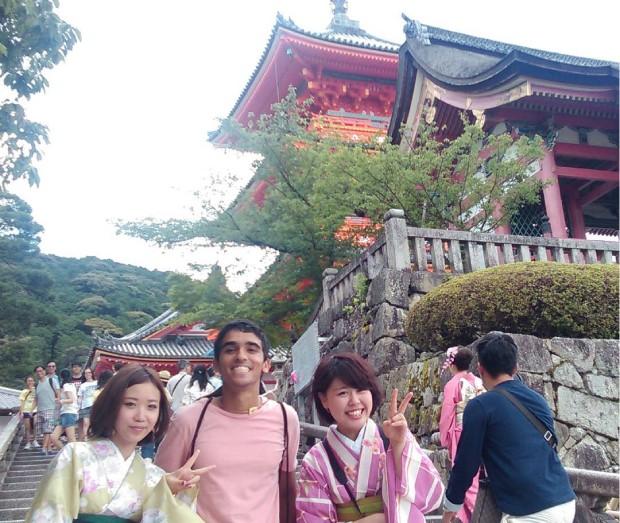 Pedro durante viagem pelo Japão (Foto: Arquivo Pessoal)