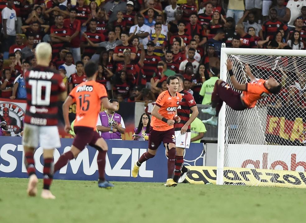 Flamengo se despediu da temporada com derrota para o Atlético-PR — Foto: André Durão