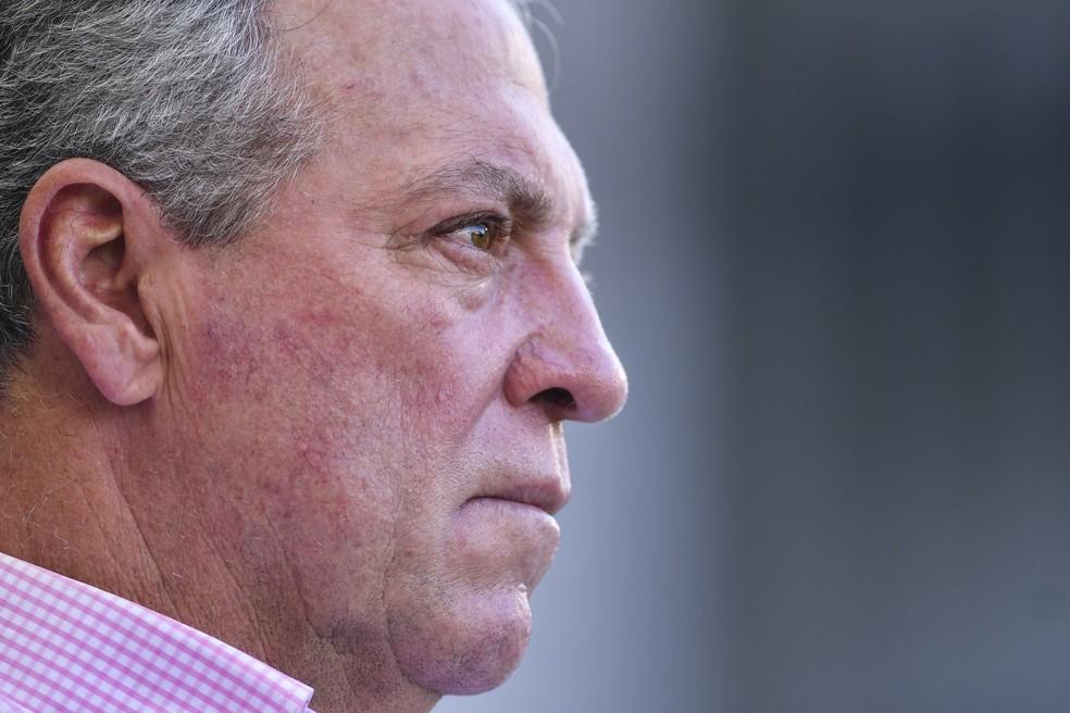 Abel Braga comandou o Flu pela última vez na derrota para o Santos (Foto: Juliana Flister/AFP)