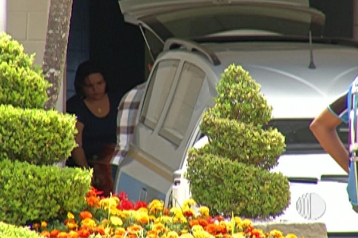 Família de menina que morreu ao ser atingida por balanço reclama de falta de manutenção em Praça de Poá