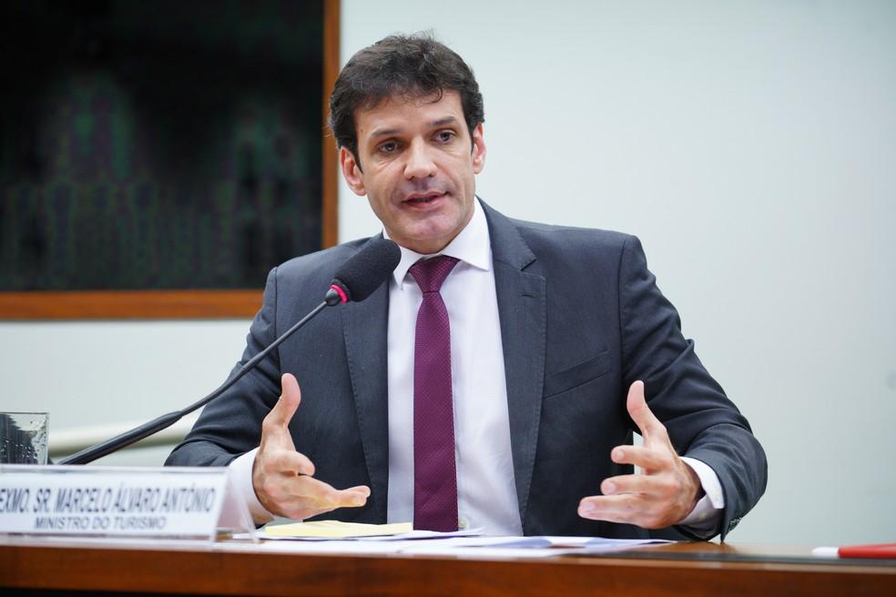 O ministro do Turismo, Marcelo Alvaro Antonio, durante audiência na Comissão de Cultura da Câmara — Foto: Pablo Valadares / Agência Câmara