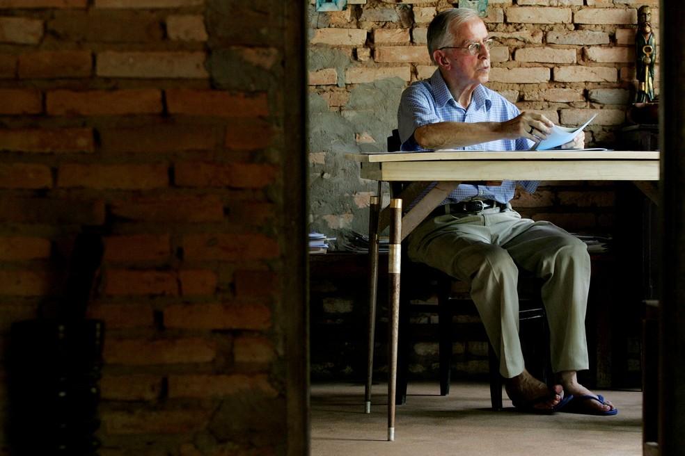 Foto de arquivo de 13 de outubro de 2006 do Bispo emérito Dom Pedro Casaldáliga em sua residência na cidade de São Félix do Araguaia (MT) — Foto: Celso Junior/Estadão Conteúdo/Arquivo