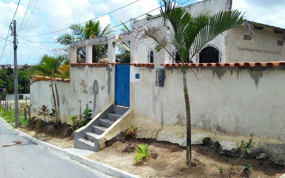 Residência fica em Camaçari, na RMS (Foto: Fabrício Silva/TV Bahia)