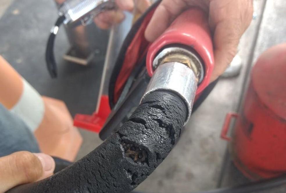 Bicos de bombas em postos de combustíveis foram reprovados por má conservação. (Foto: Ipem-RN/Divulgação)