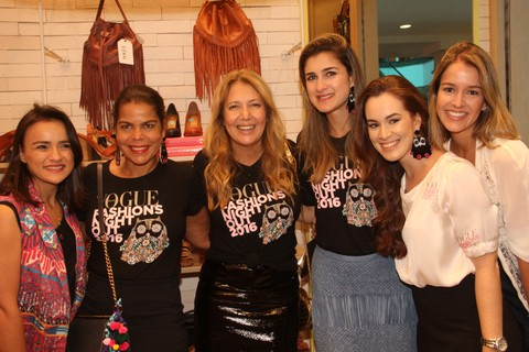 Vogue team prestigia ação na boutique da Via Mia