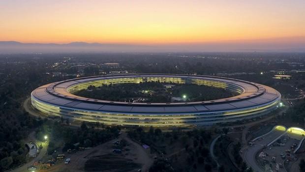 O Apple Park foi inaugurado em 2017, seis anos depois da morte do visionário empreendedor Steve Jobs, mas a estrutura que abriga 12 mil funcionários reflete todas as suas ideias (Foto: Fotoarena)