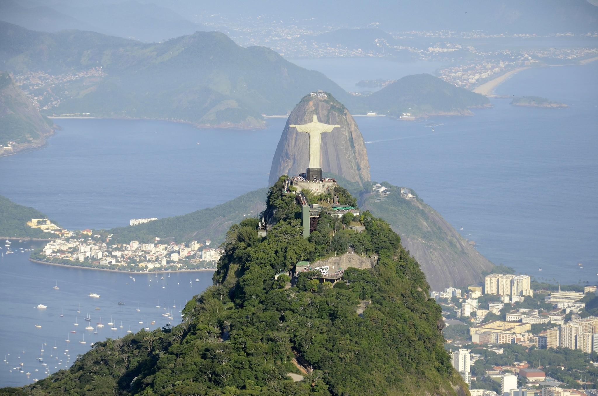 Guias turísticos do RJ esperam há um mês por regulamentação de lei que lhes garanta renda para sobreviver