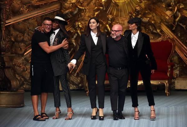 Depois das acusações de racismo e sexismo, a grife italiana Dolce & Gabbana foi boicotada pelos três grandes e-commerces do setor (Foto: ANSA)