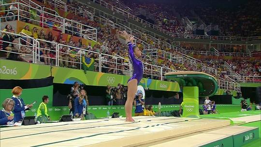 Flavia Saraiva se apresenta no salto pela ginástica artística do Brasil